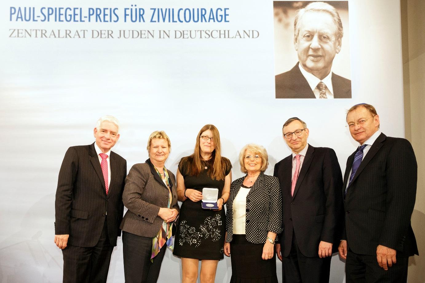 v.l. Dr. Josef Schuster, Sylvia Löhrmann, Andrea Röpke, Gisèle Spiegel, Abraham Lehrer, Manfred Funke
