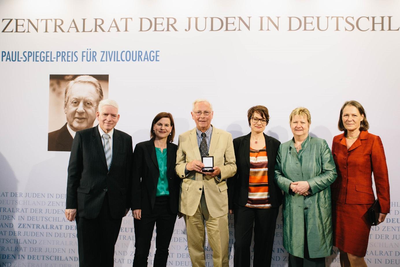 v.l. Dr. Josef Schuster, Sophia Oppermann, Uwe-Karsten Heye, Rebecca Weis, Sylvia Löhrmann, Christina Rau